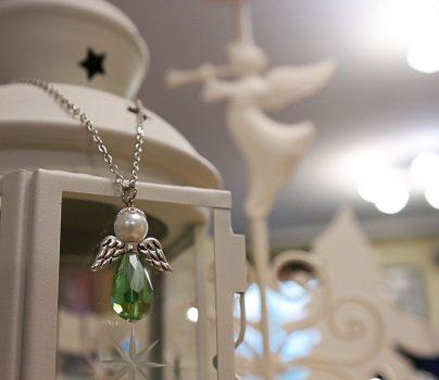 Angyalkás nyaklánc, zöld