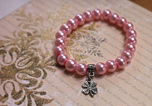 Szerencsehozó, rózsaszín teklagyöngy karkötő