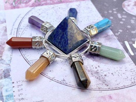 Energetizáló csakrapiramis lápisz lazuli piramissal - kis méret