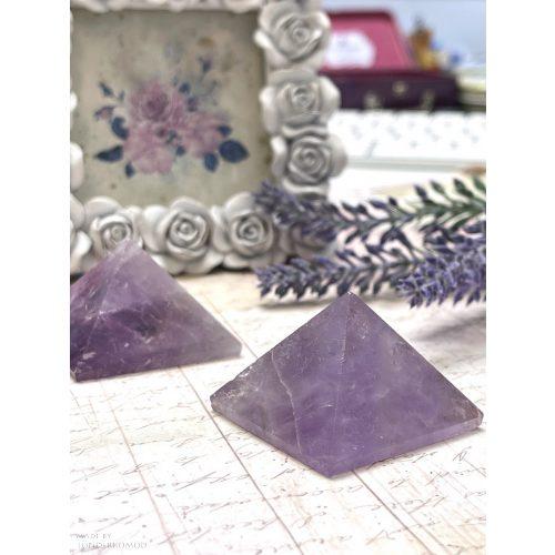 Ametiszt piramis 4x4 cm